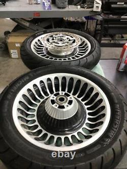 09-20 Harley Davidson Touring 28 Spoke Front & Rear Wheel & Tire Set