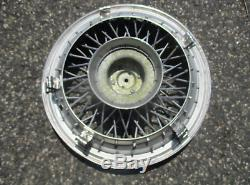 One 1986 to 1996 Chevy Caprice 15 inch locking wire spoke hubcap wheel cover