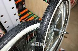 20 Lowrider Logo Vélo Roues Chromées Et Murs Blancs 144 Rayons Avant Et Arrière