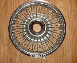67 68 69 Nos Ford Mustang Gt Rare Enjoliveurs De 14 Fils À Rayons Métalliques 2 Enjoliveurs De Moyeu Rouge