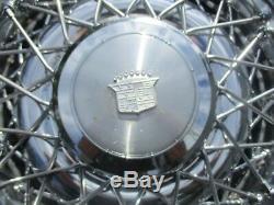 De 1975 À 1984, Les Fils Métalliques De Cadillac Deville Parlaient Au Batteur De Roue De 15 Pouces