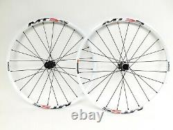 Shimano Mt55 26 Mtb Wheelset 24 Spoke 15mm Avant Qr Arrière CL Disc Brake White