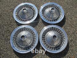 Usine 1975 À 1979 Chrysler Cordoba 15 Pouces Fil Parlé Hubcaps Couvertures De Roues